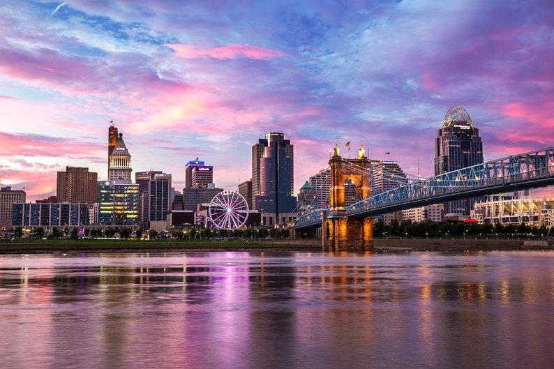 Cincinnati Skyline Photo  Cincinnati Sunset  image 0
