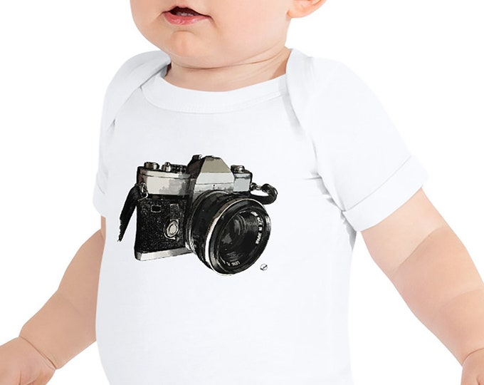 Vintage Camera Baby Bodysuit | Film Camera Infant Bodysuit Photographer Baby Outfit Photography Baby Shower Gift 35mm Gift Baby Shower Gift