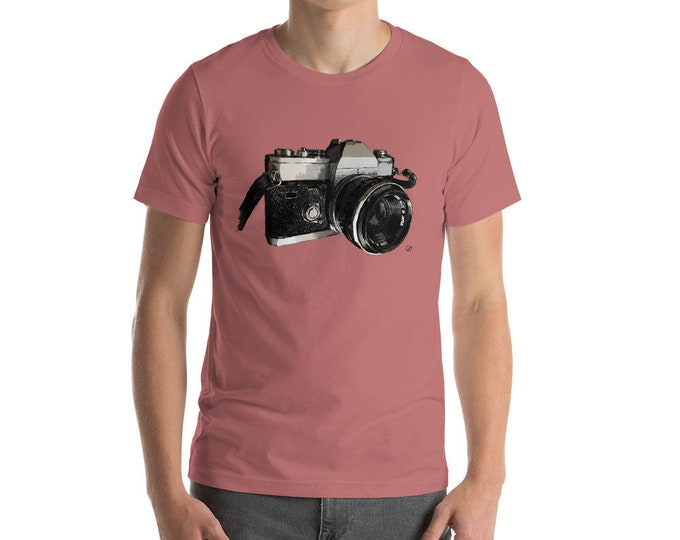 Vintage Camera Short-Sleeve Unisex T-Shirt | Camera Shirt Photographer Gift 35mm Film Photography Gift Photographer Father's Day Gift Ideas