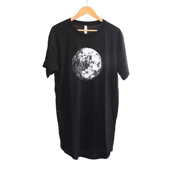 7b7bb4cb81d Moon Men s Long Body Urban Tee Moon Shirt Moon T-Shirt