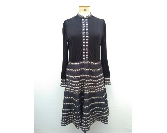 LOUIS FERAUD vintage 70s black and white camel pattern front zip dress