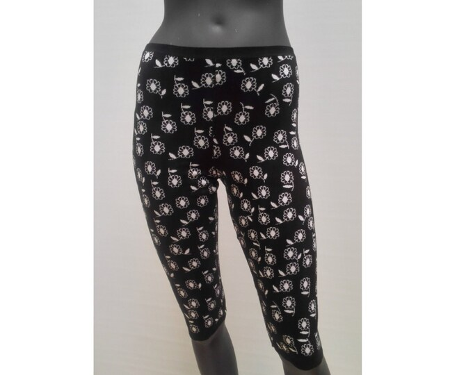 ALAIA pre-owned black and white floral cotton knit leggings shorts