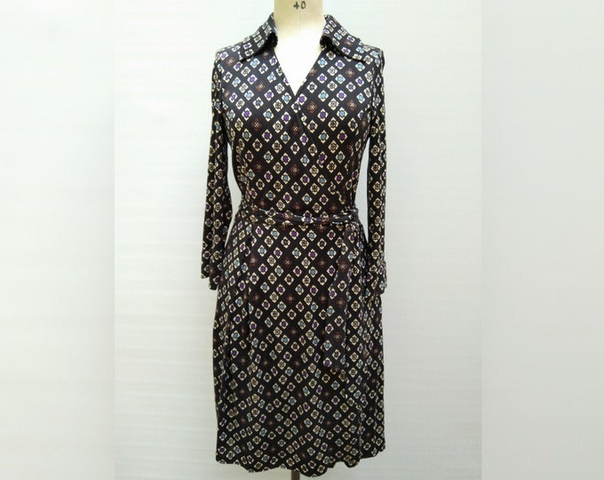DIANE VON FURSTENBERG 'Megan' pre-owned black squares print silk jersey wrap dress