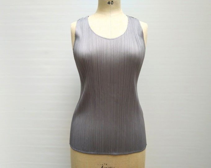 PLEATS PLEASE by Issey Miyake pre-owned grey pleated tank top