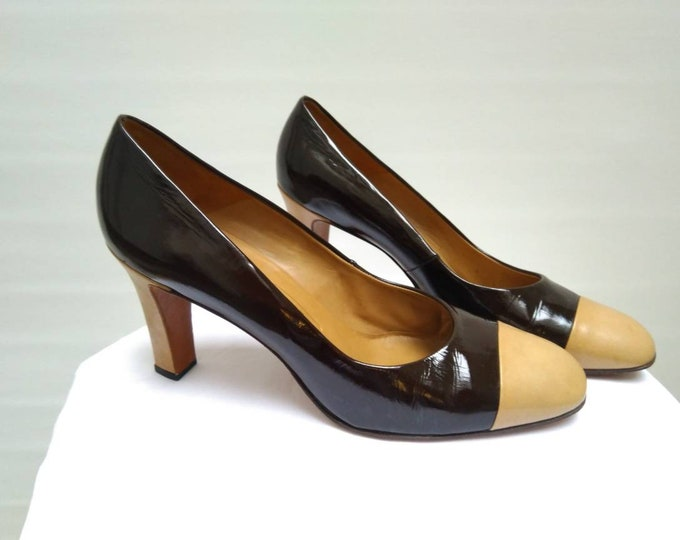 BALLY vintage 70s brown patent leather cap toe pumps