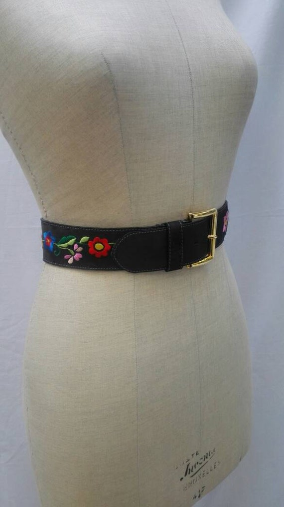 MOSCHINO JEANS vintage 90s flower embroidered belt - image 1