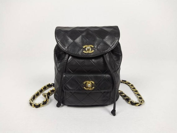 CHANEL vintage 90s black quilted leather Duma back