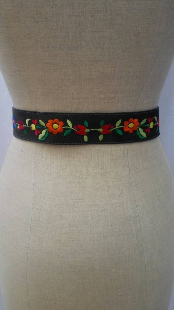 MOSCHINO JEANS vintage 90s flower embroidered belt - image 2