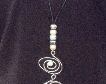 Lagenlook Silver Twisted Wire Pendant