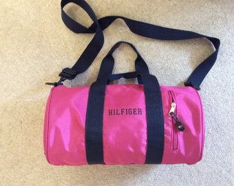1ab01a8a7530 Tommy Hilfiger duffel bag for everyday