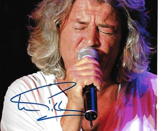 30c2c607c6981 Singer IAN GILLIAN from Legendary Rock Band Deep Purple Authentic  Autographed 8x10 Pic