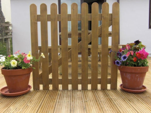 Fast /& Free 3ft 0.9m High Round Top 20 x Picket Garden Fence Panels