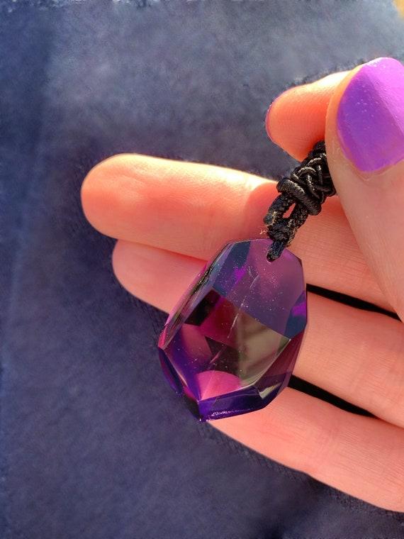Gem-quality amethyst necklace