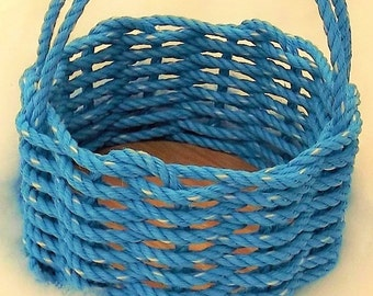 Medium Solid Colour Round or Oval Basket