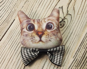 Cute Cat pin Funny cat pin Kitty brooch Crazy cat pin Cute cat brooch pin Cat pin Cute pin Cat brooch Animal brooch Gift For Cat lovers