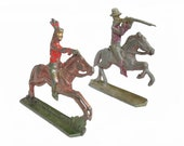 Vintage Miniature Britains Lead Soldiers and Native American Indian Figurines Toys. Lead Toy Figures, Retro, Lead game, War Game, Composite