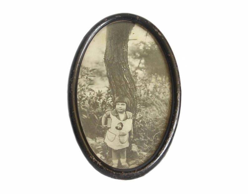 Antique Metal Photo Picture Frame with Glass Desktop Photo Frame Decorative Arts Vintage Oval Picture Frame Home Decor