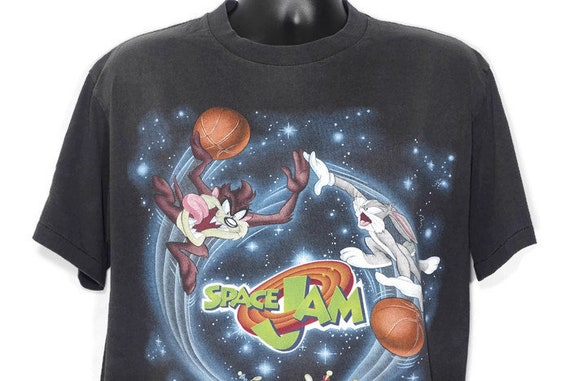 1996 Space Jam - Bugs Bunny Taz Tasmanian Devil Basketball Michael Jordan Looney Tunes Cult Warner Bros Movie Promo Vintage T-Shirt