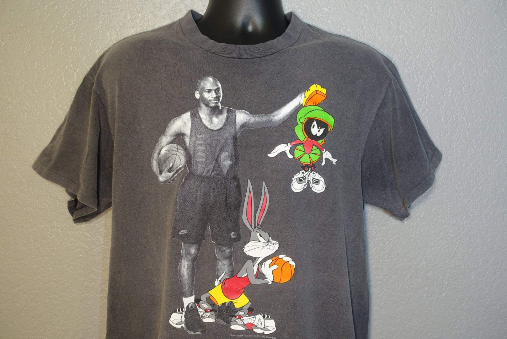 69093e36 1993 RARE Space Jam - Nike Michael Jordan Looney Tunes Marvin the Martian & Bugs  Bunny XL Heavy Faded Vintage T-Shirt. gallery photo ...