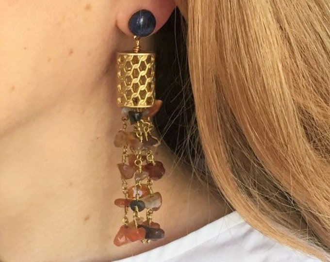 Long golden earrings Cannelé, agate and sodalite gemstones