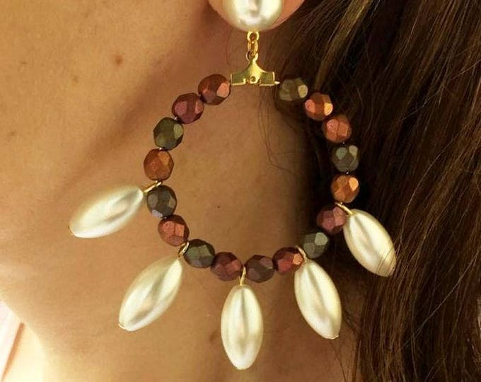 Golden hoop earrings white pearls
