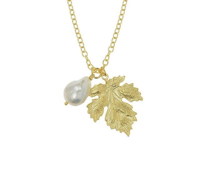 Necklace leaf and pearl Xylia