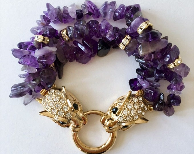 Amethyste stone bracelet with a golden tiger clasp