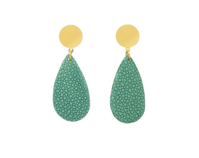 Mini Acqua turquoise earrings in stingray leather