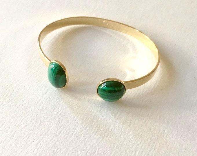 Bracelet gold finish and malachite gemstone