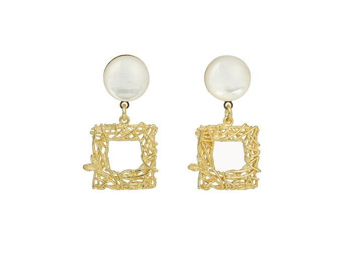 Stressy square gold and mother of pearl earrings