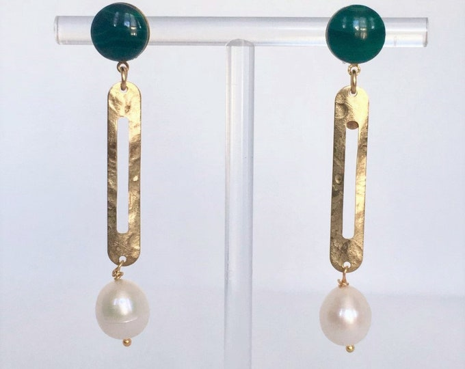 Golden drops Cléo with malachite gemstone and natural white pearl