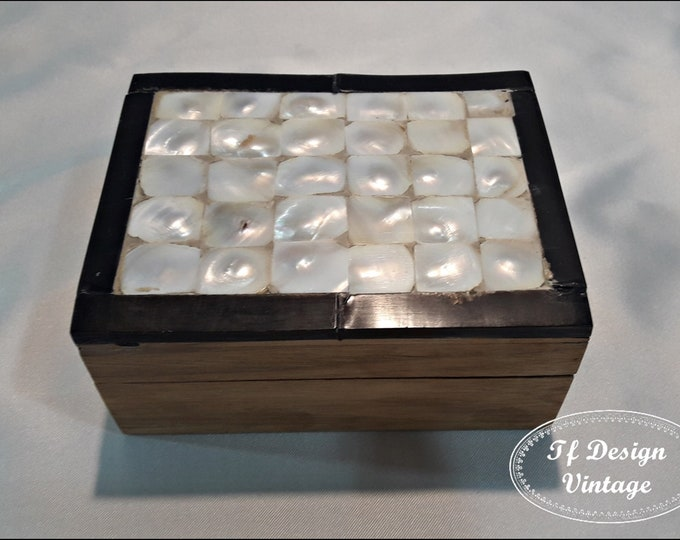 Mother of pearl jewelry box,Wood box with mother of pearl,Jewelry wooden box,Black and white wooden box,Handmade wooden box,Decorative box