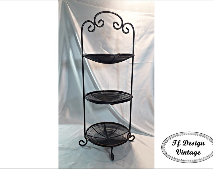 Three tiered tall fruits basket, 3 Tiered basket stand, 3 tier basket, Three tier metal and bamboo stand, 3 tier bamboo metal fruit stand
