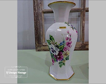 Antique white porcelain vase, Elegant porcelain vase, Classic fine porcelain vase, Flower vase, Vintage  porcelain and gold vase,