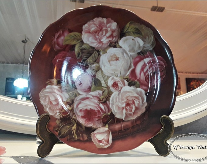 Decorative porcelain dish, Porcelain dish for wall, Porcelain dish with bouquet of Roses, Decorative porcelain plate,  Plate with roses
