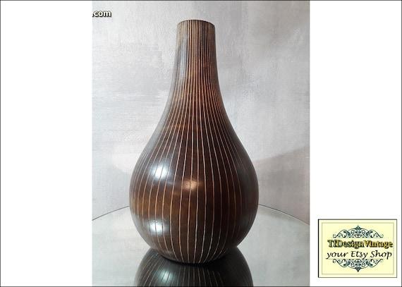 Vase wood, Wooden vase, Wood turned vase, Wood vase design, Wood vase brown, Vase mango wood, African decor ideas, Ethnic decor ideas, Wood