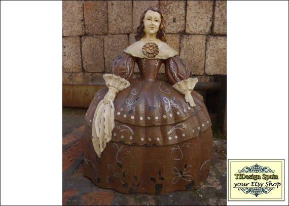 Menina figure, Female figurine vintage, Meninas female figurine, Female figurine resin, Female figurine brown, Resin female figure, 28 cm