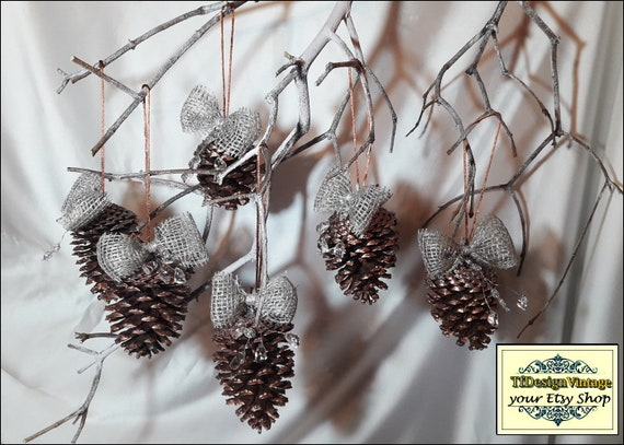 Decorated pine cones, Christmas tree ornaments, Christmas tree decor, Xmas ornaments for tree, Set of 6 pine cones, Christmas pine cones,