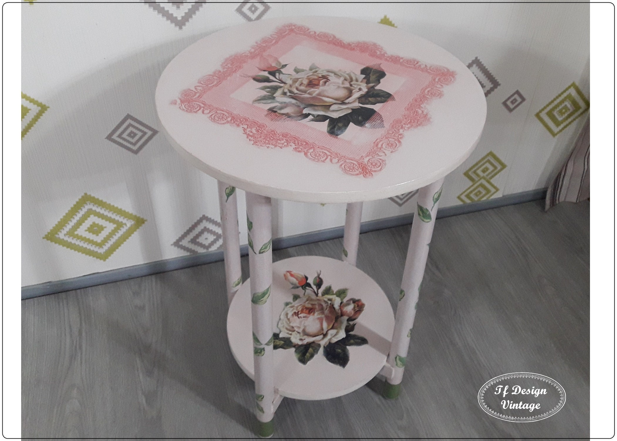 Small Circular Nightstand Round Coffee Table Side Table Round Round Bedside Table Vintage Small Round Accent Table Painted Pink Table 40 Cm