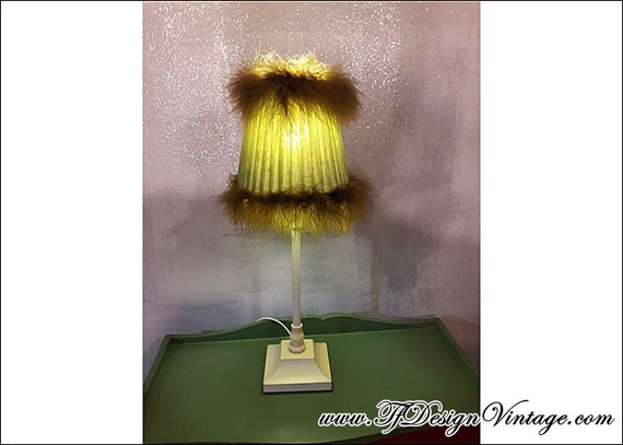 Lamp with green lampshade, Lamp table green, Lamp bedroom, Green table lamp, Lamp with ostrich feathers, Vintage lamp with green lamp shade