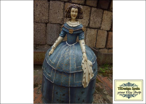 Menina figurine, Female figurine vintage, Oldest female figurine, Female figurine resin, Menina figurine blue, Resin female figure, 33 cm