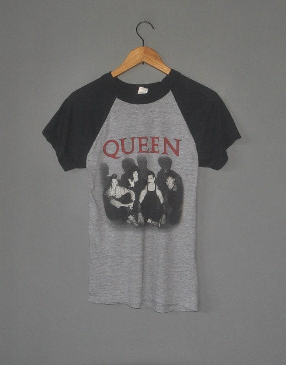 Vintage 1984 QUEEN UK Tour Concert T shirt size XS