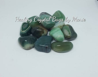 Banded Green Agate . Tumblestone Crystal for Chakra healing Reiki - one piece