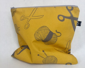 zipper pouch | pencil case | make-up bag | cosmetics bag | digitized hand stamped print | project bag | rubber stamp | wool | knitting