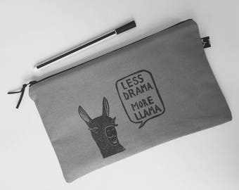 Zipper pouch | project bag | pencil case | make-up bag | cosmetic bag | hand printed | rubber stamp | stamping | linocut | llama