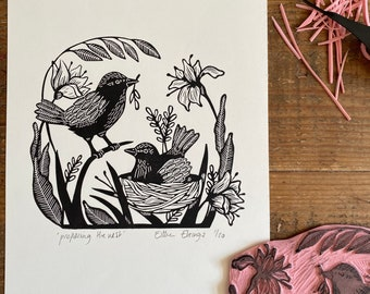 lino print    original printing   birds   preparing the nest   pregnancy   print made with rubber stamps   limited edition