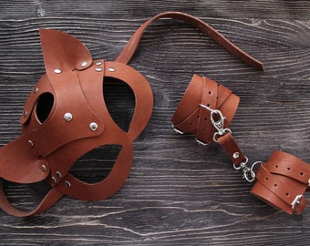 Set of leather bdsm accessories, KIT leather cat mask and handcuffs