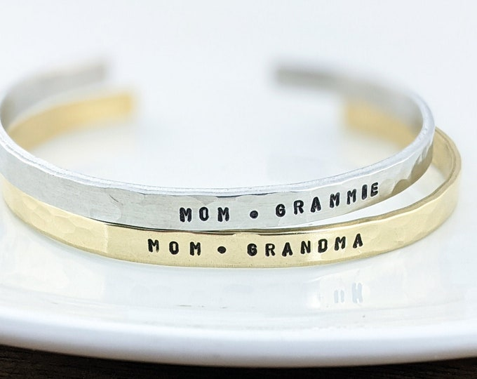 Personalized Grandma Bracelet, Grandmother Cuff Bracelet, Grandchildren's Names, Mothers Day Gift, Gift for Grandma, Custom Cuff Bracelet