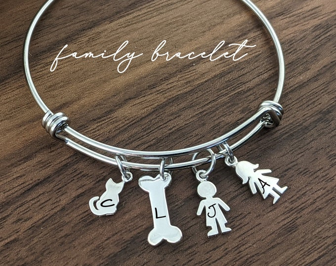 Personalized Family Bracelet, Mom Gift, Dog Mom Gifts, Cat Mom Gifts, Family Bracelet For Mom, Mothers Day Gift, from Son From Daughter