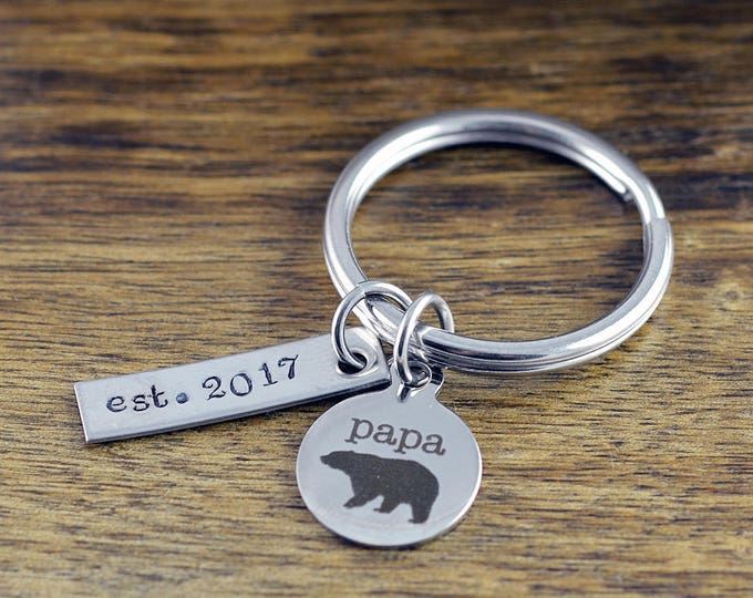 Papa Bear Keychain, Fathers Day Keychain, New Dad Gift, Father's Day Gift, Gifts For Daddy, Personalized Fathers Day Gift, Engraved Keychain